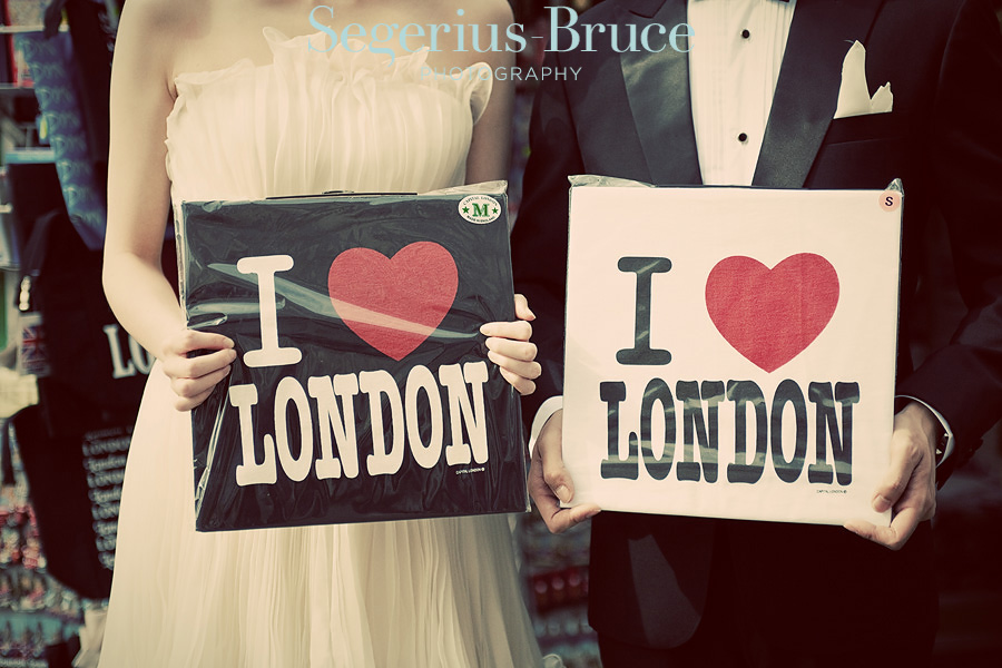 London Love Affair Engagement Session