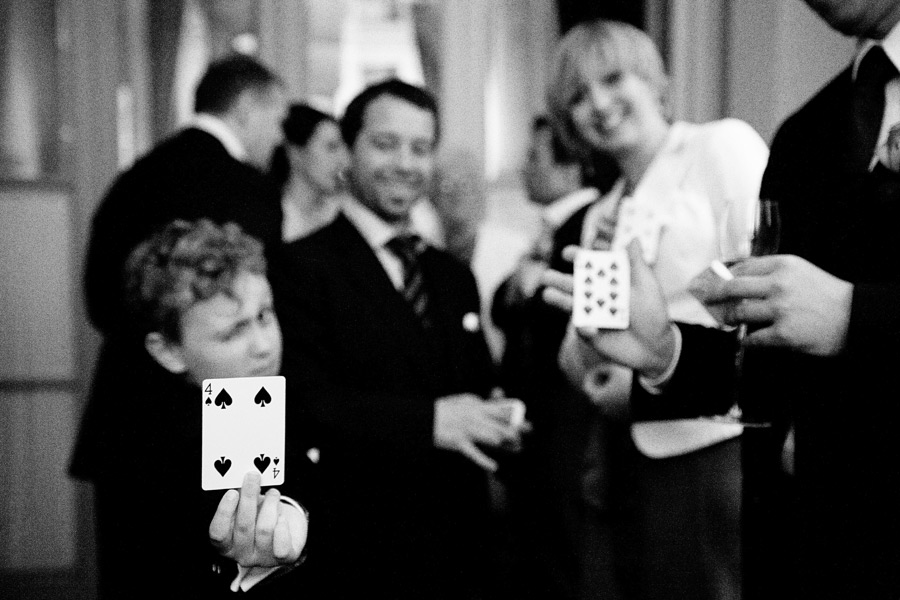 Sav The Deceptionist magic show for Wedding at Claridges